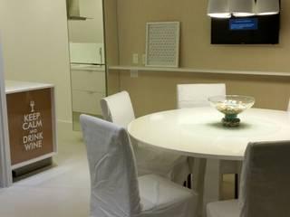 Ruang Makan Modern Oleh Mônica Daniela Arquitetura & Design de Interior Modern
