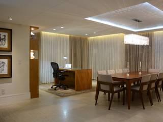 Stúdio Márcio Verza ห้องทานข้าวเก้าอี้และม้านั่ง