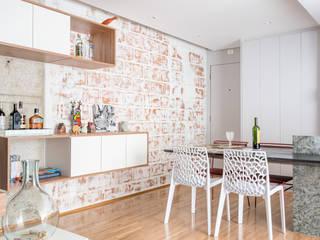 Fiandeiras 75 Paredes e pisos modernos por Motirõ Arquitetos Moderno