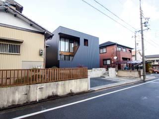 AtelierorB Minimalist house Metal Black