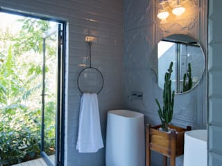 Bathroom by Etienne Hanekom Interiors, Eclectic