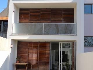 Casa do Parque - Aveiro Casas modernas por GAAPE - ARQUITECTURA, PLANEAMENTO E ENGENHARIA, LDA Moderno