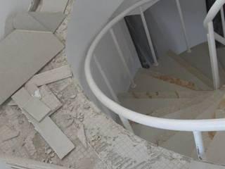 Remodelación apartamento en Edificio Terrazino Paredes y pisos de estilo moderno de Grupo Moix SAS Moderno