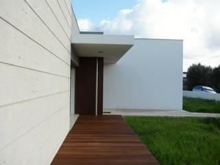 Casa em Soure Casas modernas por GAAPE - ARQUITECTURA, PLANEAMENTO E ENGENHARIA, LDA Moderno