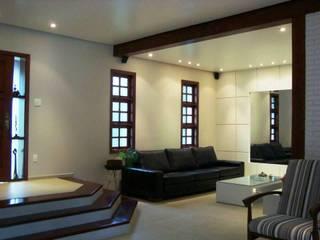 Sala de TV - Residencial Paineiras - Pindamonhangaba - SP por Fernanda Marcondes Arquitetura & Interiores Moderno