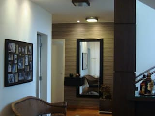 Sala - Estar / Tv - Condomínio Campos do Conde I - Tremembé - SP por Fernanda Marcondes Arquitetura & Interiores
