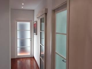 Corredores, halls e escadas modernos por Paolo Baldassarre Architetto Moderno