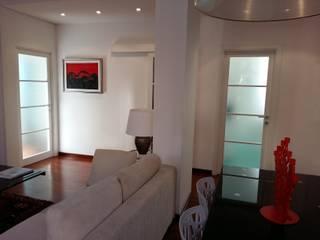 Salas de jantar modernas por Paolo Baldassarre Architetto Moderno