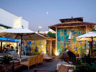Espacios comerciales de estilo  por Fernando Menezes Arquitetura, Ecléctico