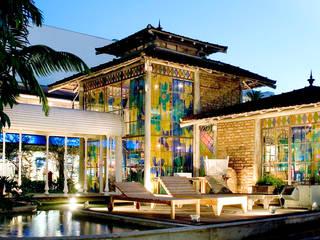 Oficinas y Tiendas de estilo  por Fernando Menezes Arquitetura, Ecléctico