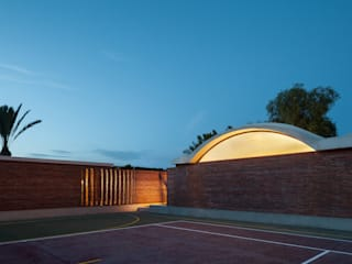 Vivienda unifamiliar en Matola, Alicante: Casas de estilo  de MESURA
