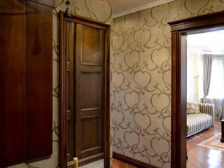 Klassischer Flur, Diele & Treppenhaus von AM Design Klassisch