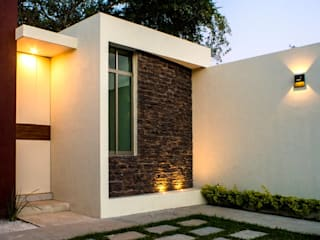 Modern Houses by MOVE Arquitectos Modern