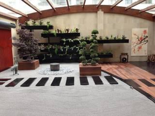 Jardín ZEN: Espacios comerciales de estilo  de LandSkapes. Anja Konrad
