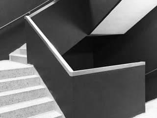 UNIQUE³ Hauser - Architektur Ausgefallener Flur, Diele & Treppenhaus