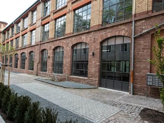 Case in stile in stile Minimalista di Hauser - Architektur