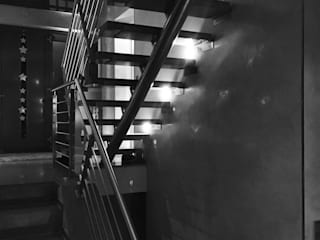 Innenarchitektur und Interieur Hauser - Architektur Ausgefallener Flur, Diele & Treppenhaus