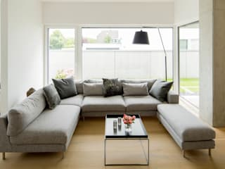 Modern living room by Ferreira | Verfürth Architekten Modern