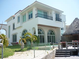 Classic style houses by SG Huerta Arquitecto Cancun Classic