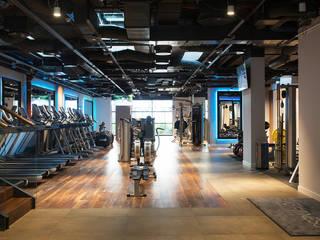 Sala ćwiczeń: styl , w kategorii Bary i kluby zaprojektowany przez RPS Architekci