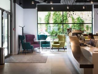 Strefa recepcji: styl , w kategorii Bary i kluby zaprojektowany przez RPS Architekci