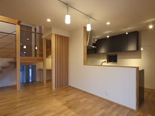 Toyoake House 川島建築事務所 モダンデザインの ダイニング