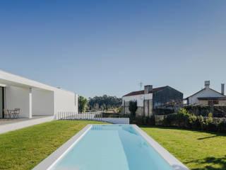 Pool by Raulino Silva Arquitecto Unip. Lda, Minimalist