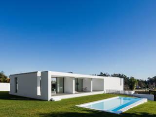 Pool by Raulino Silva Arquitecto Unip. Lda