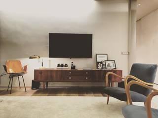 Livings de estilo moderno de cristina zanni designer Moderno