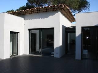 la terrasse : Maisons de style de style Moderne par Ab consultant