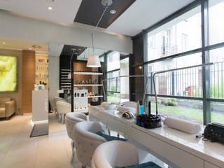 Stanowiska manicure: styl , w kategorii Kliniki zaprojektowany przez RPS Architekci
