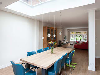 Modern dining room by WEBERontwerpt | architectenbureau Modern