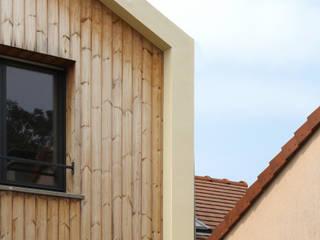 Daniel architectes Modern houses Wood