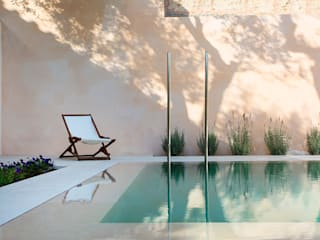Swimming pool designs:  Pool by Tono Vila Architecture & Design