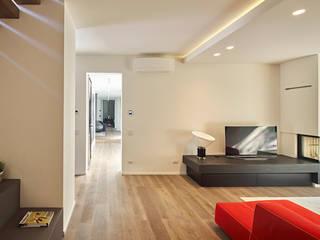 Villa M: Soggiorno in stile in stile Moderno di A ZERO STUDIO