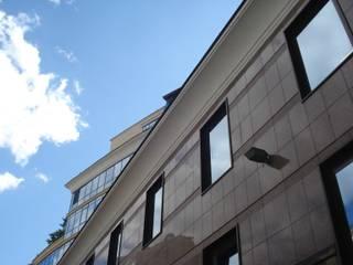 Реставратор 現代房屋設計點子、靈感 & 圖片