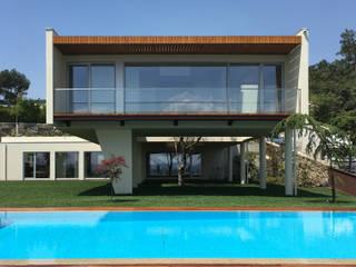 Casas de estilo  de KUUK