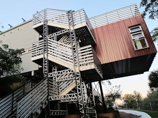 Off the grid house Johannesburg:  Houses by A4AC Architects