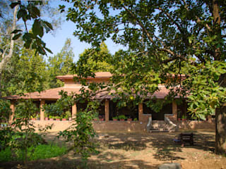 Homestay in Kanha National park, Madhya Pradesh Modern houses by M+P Architects Collaborative Modern