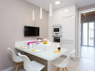 Reformas de pisos Cocinas de estilo moderno de LAUTOKA URBANA Moderno