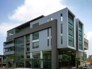 Edifícios comerciais modernos por 大也設計工程有限公司 Dal DesignGroup Moderno