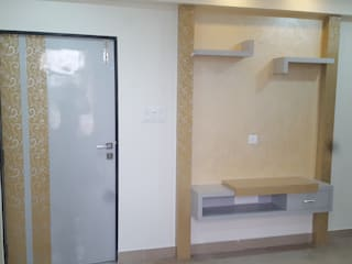 Mr.Sanjay Kukara Residence:  Bedroom by Creations