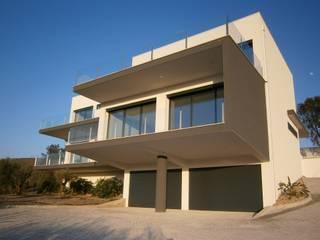 Modern Houses by Arquihom, Lda Modern