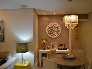 Apartamento Compacto e Elegante de 60m² Salas de jantar ecléticas por Alvaro Camiña Arquitetura e Urbanismo Eclético
