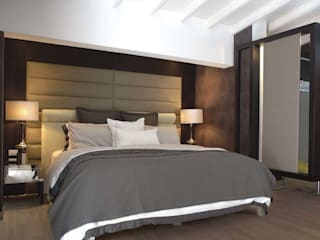 Modern style bedroom by Arq Renny Molina Modern