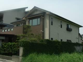 日本新日鐵耐震節能健康住宅綠建築 現代房屋設計點子、靈感 & 圖片 根據 日本新日鐵台灣公司 現代風