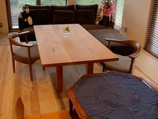 環アソシエイツ・高岸設計室 Living roomSofas & armchairs Kayu