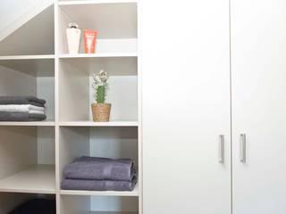 schrankwerk.de RecámarasArmarios y cómodas Tablero DM Blanco
