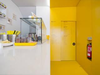 gelataria Youfrut Espaços comerciais modernos por Atelier Base Moderno