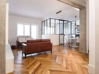 Appartamento M52 Ingresso, Corridoio & Scale in stile minimalista di THSC Minimalista